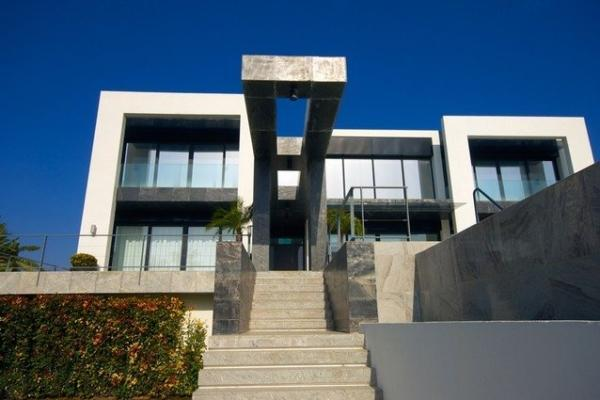 4 Bedroom, 4 Bathroom Villa For Sale in La Alqueria, Benahavis