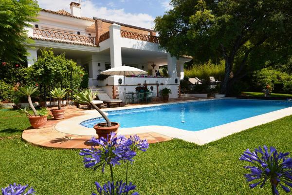 4 Bedroom, 4 Bathroom Villa For Sale in Altos Reales, Golden Mile