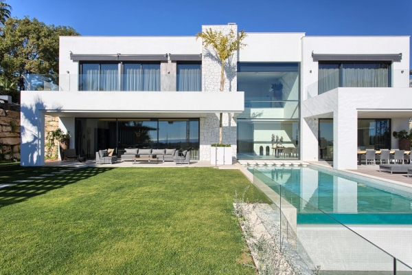 Sold: 5 Bedroom5, Bathroom Villa in La Alqueria, Benahavis