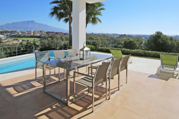 4 Bedroom, 4 Bathroom Villa For Sale in La Alqueria, Benahavis