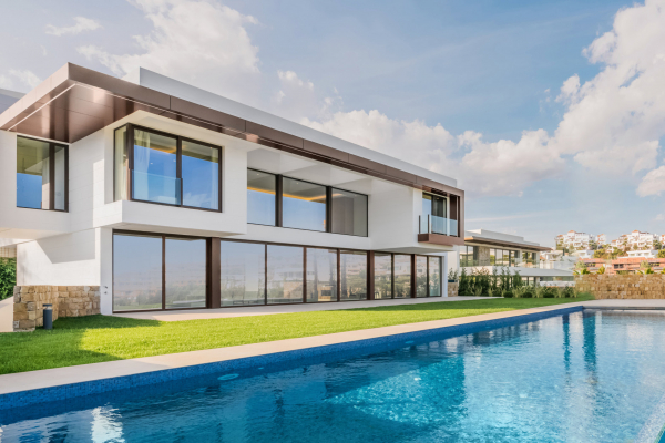 5 Bedroom5, Bathroom Villa For Sale in Benahavis