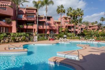 Impressive Apartment in Menara Beach, New Golden Mile