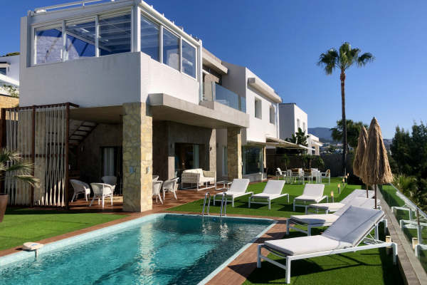 3 Bedroom, 3 Bathroom Villa For Sale in Atalaya, New Golden Mile