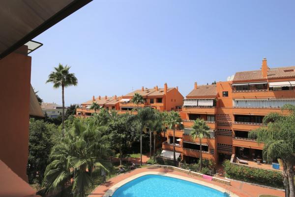 2 Bedroom, 2 Bathroom Apartment For Sale in Costa Nagüeles III, Golden Mile